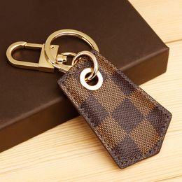 fragole di pittura ad olio Sconti 2019 New fashion keychain femminile maschio creativo auto portachiavi semplice catena chiave carino paio di borsa appeso ornamenti AI110