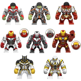 Grandi blocchi mattoni online-Novità Grande Super Hero Toy Action Figure Con La Camicia Quantum Vendicatori Iron Man Hulk Nero Pather War Machine Spider Man Building Block Brick