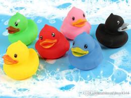 Anatra di gomma galleggiante Anatre di gomma Squeeze-sounding Dabbling Toy Rubber Duck Classic Toys da
