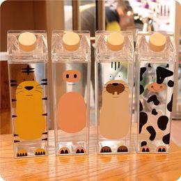 Plastica ps online-Bollitore in plastica trasparente Tazza quadrata Cartoon Animal Cow Pig Bottiglia di plastica per sportivi PS Tiger Water Milk Juice Kettle 500ml