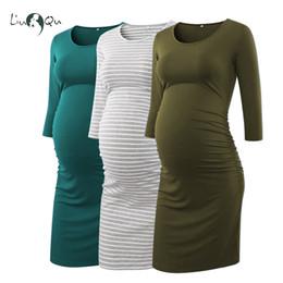 Packung mit 3 Stück Seite geraffte Umstandskleider 3-Viertel-Ärmel, figurbetontes Schwangerschaftskleid, Wickel-Umstandskleider für Fotoshooting Y190522 von Fabrikanten
