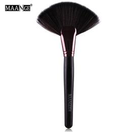 spazzola grande ventilatore di trucco Sconti Soft Makeup Large Fan Brush Foundation Blush Fard Powder Pennello Evidenziatore Polvere Polvere pennelli per la pulizia Attrezzo cosmetico