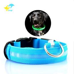 2019 lojas grossistas de alimentos Nylon LED Dog Collar Luz Noite de Segurança LED Piscando Brilho Suprimentos para Animais de Estimação Pet Cat Coleiras Acessórios Para Cães Para Cães Pequenos Collar LEVOU