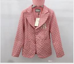 Kadın 19 sonbahar yeni takım elbise yaka uzun kollu pembe haki nakış takım elbise ceket kadın cheap pink woman s suit nereden pembe kadın s takım elbise tedarikçiler
