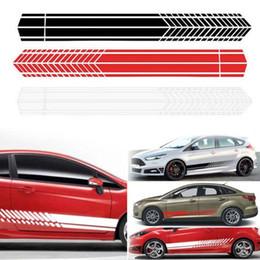 2019 autocollants graphiques de carrosserie 2 pcs Universal Sports Étanche Racing Stripe Autocollants Graphiques Auto Car Body Side Porte Vinyle Stickers Car Styling Accessoires autocollants graphiques de carrosserie pas cher
