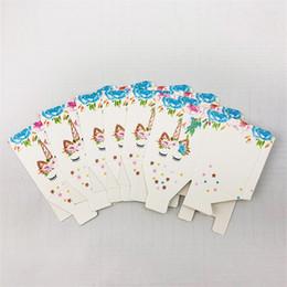 2019 weißer papierkoffer Einhorn Pralinenschachtel Karikaturdruck Bunte Popcornschachteln Weiß Festival Wrap Kleine Snacks Papier Fall Neue Ankunft 3jw L1 rabatt weißer papierkoffer