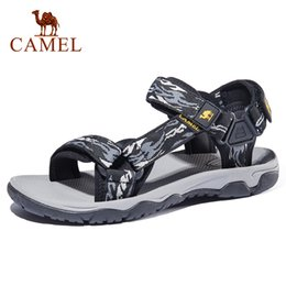 Cammello scarpe outdoor casuale online-CAMEL Men's Sandals Summer New Lightweight Non-slip Wear Men's Shoes Outdoor Beach Sandals Men Casual Shoes CX200615