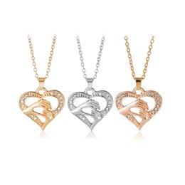 2019 Moda de la mano de MOM collares de cristal en forma de Corazón Colgante de oro cadenas de plata para las mujeres regalo del día de la madre joyería desde fabricantes