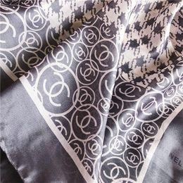 Sciarpe di seta di marca di fascia alta Sciarpe di marca della sciarpa della sciarpa di marca del progettista della sciarpa molle eccellente eccellente di lusso lungo le sciarpe di modo dello scialle di quattro stagioni. da i fiori di seta di alta qualità all'ingrosso fornitori
