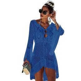 Vestidos de crochê de renda sólida on-line-Praia Swimwear Cover Up Lace Crochet Knit Bikini Sino Manga Mulheres Blusa Vestido Sólido Férias de Verão