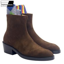 Marcas de botas pontudas para homens on-line-2019 Camurça Botas De Couro Dos Homens de Salto Alto Com Zíper Dedo Apontado Ankle Boots de Couro Genuíno Outono Marrom Sapatos Casuais Marca de Qualidade