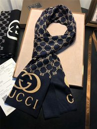 moda popular alfabeto clássico malha xales de lã para homens e mulheres outono e inverno homens conforto 2,019 promoção lenço atacado de Fornecedores de laços rápidos