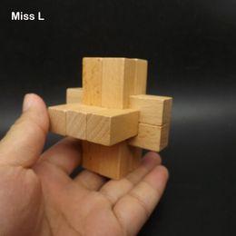 9 bâton Kong Ming Serrure En Bois Puzzle 3 Essieu Modèle En Bois Jouets Pour Jeu D'enseignement Pour Enfant Brian Teaser Intelligence Jeu Jouets ? partir de fabricateur