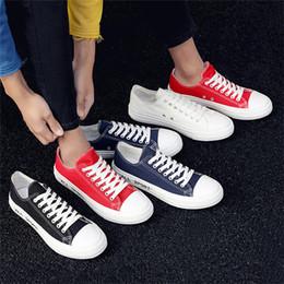 2019 милые осенние туфли Осень Harajuku Skate Shoes 50% Женщины Классические Холст Обувь Мужская Мода Ulzzang Ретро Симпатичные Настольные Туфли Осень Повседневная Плимсоллы дешево милые осенние туфли