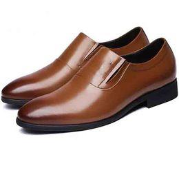37 47 Dock Layer Leder Rindsleder Braun Glatt Einfache Einfarbig Schwarzes Spitzes Fuß Business Cross Dress Suit Herren Lederschuhe