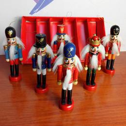 mini alberi di natale azionati da batteria Sconti Decorazioni natalizie 1pz 12cm Zakka in legno fatto con le marionette Schiaccianoci Capodanno Capodanno Desktop Ornamenti Disegno Noci Soldati