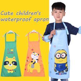 Karikatur-schürze setzt online-Cute Cartoon Kinderschürze Wasserdichte Antifouling Farbe Kleidung Jungen Mädchen Baby Kittel Kleidung Kind Ärmellos Tragen Schürze Set
