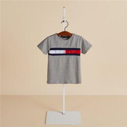 a letra caçoa o tshirt Desconto Malha de algodão verão venda quente menino tshirt marca popular estilo coreano carta de impressão curta crianças menino roupas