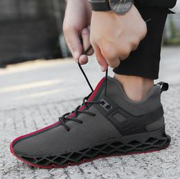 moda moda para homens Desconto Venda quente dos homens Designer de Lâmina Tendência Tênis de Malha Respirável Moda Sapatos Casuais Amortecimento Desgaste Não-slip Esporte Running Shoes Frete Grátis