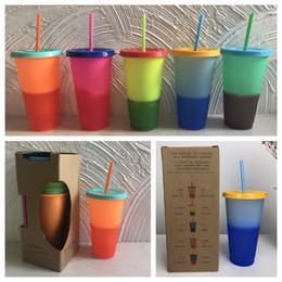 2019 bottiglie d'acqua backpacking Con coperchio in paglia Cambiare colore Tazze Bicchieri Tazze magiche in plastica Protezione ambientale Tazza da caffè 5 colori