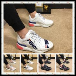 2019 Recién llegado de Italia Diseñador Nueva marca de marca de lujo zapatos marrón blanco de los hombres de doble densidad suela de goma tamaño 38-45 desde fabricantes