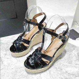 Geflochtenes leder online-Sommer-Keil-Sandelholz-Frauen Gladiators Plaited Fashion Echtes Leder Lady-Plattform-Sandelholz