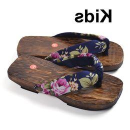 2020 novidade flip-flops Bebê recém-nascido japoneses sapatos tradicionais Crianças Meninos Meninas Wooden Geta tamancos Naruto Cosplay dos falhanços novidade Chinelos chinês novidade flip-flops barato