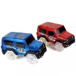 bus jouet vert Promotion Lueur dans la voiture de magie sombre LED allumer électronique voiture jouets jeep modèle course électrique voitures bricolage jouet voiture pour enfant LA556