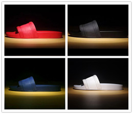 2019 herren pu hausschuhe mit heißer Marke Mann-Strand Slide Sandalen Medusa Scuffs 2017 Slipper Mens weiß Beach Fashion Slip-on-Box Designer Sandalen US 7-12 günstig herren pu hausschuhe