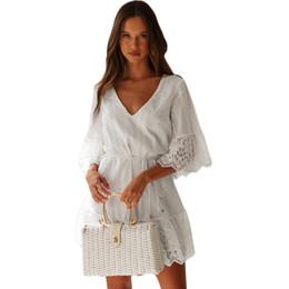 borda branca de renda bordada Desconto Mulheres bordado Lace Túnica Vestido V Neck mangas meia ocas para fora o vestido Scalloped Trims soltas Casual Mini Autumn Branco