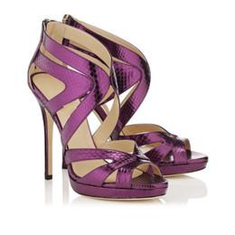 2019 Chaussures de plein air en cuir pour dames compensées argentées Sandales Wrap racine en cuir rouge paillettes scintillantes boucles sandales EU35-42, avec boîte ? partir de fabricateur