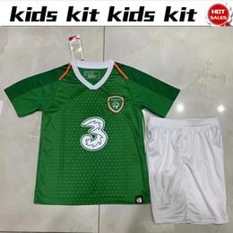 Штаны зеленого трикотажа онлайн-2019 Ирландия дети Джерси дома зеленые рубашки с брюками 19/20 Детские футболки с коротким рукавом Дети Boy футболка комплект рубашка + брюки