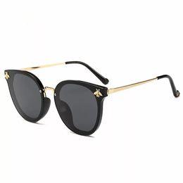 Alta qualidade 2019 novo luxo pequena abelha polarizada homens óculos de sol europeu quente vendas mulher óculos de sol uv400 supplier luxury european sunglasses de Fornecedores de óculos de sol europeus de luxo