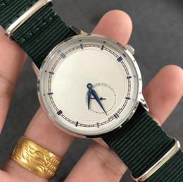 2019 Moda Venda Quente Simples Multicolor Unidade de Relógio Eletrônico Dos Homens de Luxo Dos Homens Formais Botão Dobrável Presente do Relógio cheap formal watches de Fornecedores de relógios mens