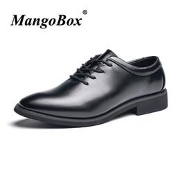 6e4836fc97 Sapatos formais para o homem preto dedo apontado homem vestido shoes primavera  outono homens casamento anti-slip de borracha inferior terno calçado   36896