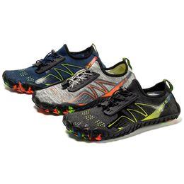 Zapatos aqua de goma online-2019 Aqua Shoes For Men Women Summer Swim Drain hole suela de goma antideslizante On surf Light Beach Unisex Water Shoes Wading