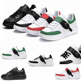 scarpa verde Sconti Piattaforma di lusso Designer Shoes riflettente Triple Black Velvet Bianco d'oro delle donne degli uomini pattini di cuoio Abito scarpe da tennis casuali del partito
