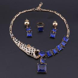 2019 gros bijoux de fantaisie en or OEOEOS bleu Parures de cristal de couleur d'or de mariée Collier Boucles d'oreilles Bague Ensembles de soirée de mariage Bijouterie Fantaisie Cadeaux pour les femmes