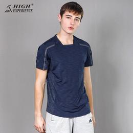 t-shirt in esecuzione libera Sconti T-shirt per uomo che corre a maniche corte T-shirt Spedizione gratuita New Alpinismo Outdoor Fast dry
