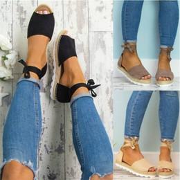 Sandálias de calcanhar on-line-Sandália De Fundo Grosso Sapatos Corda de Cânhamo Tornozelo Bandagem Salto Plana Cores de Ventilação Mix Moda Resistente À Abrasão 32sd f1
