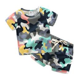 caçoa camisas do exército Desconto 2018 Hot Verão 2-10 Anos de Idade Bonito Vestuário de Manga Curta Bebê Crianças Menino Do Exército Camuflagem Verde T-Shirt Shorts Conjunto