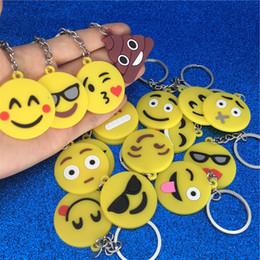 Teclas sonríen online-Llavero Emoji de dibujos animados de PVC Cara Emoji Llavero Sonrisa Cry Shit Llavero Llavero Bolso del bolso Cuelga Joyería de moda Will y Sandy Drop nave 340109