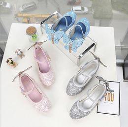 zapatos de boda mariposas Rebajas Zapatos de fiesta de boda Mary Jane para niñas Brillo de mariposa Damas de honor Tacones bajos Zapatos de vestir de princesa Zapatos elegantes para vestidos de novia para niñas