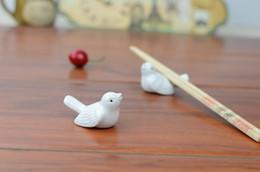 2019 supporto per cucchiaio in ceramica Bacchette per uccelli in ceramica Stand Holder Porcelain Spoon Knife Rest Rack Ristorante Tavolo Scrivania Decor W8408 supporto per cucchiaio in ceramica economici