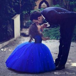 Külkedisi Sevimli Kraliyet Mavi Balo Kız Pageant elbise Kapalı Omuz Tül Kat Uzunluk Toddler Doğum Günü Elbiseler Parti Elbiseler Keki nereden