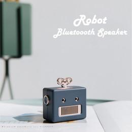 Canada Mode Portable Robot Sans Fil Bluetooth Haut-parleurs Mini Haut-Parleur Extérieur Rétro Enceinte Portable Haut-Parleur Main Libre De Voiture Haut Parleur Bluetooth cheap car bluetooth speaker handfree Offre