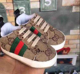sapatos de bebê menino de 12 meses Desconto Sapatilhas Da Menina do Menino macio Fundo Berço Sapatos Infantil Criança Sola Macia Anti-slip Sapatos de Bebê Tamanho Nascido Para 18 Meses