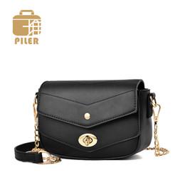 Mini Borse per le donne Messenger Bag poco costoso borse 2019 della catena di modo selvaggio piccola pelletteria progettista delle donne Crossbody Bag