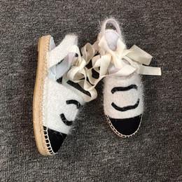 Sandálias de calcanhar on-line-2019 mulheres sandália camillia corda de couro strappy 35-40 Moda sandálias de couro de luxo slides plana calcanhar sapatos de praia de couro dedo do pé aberto com caixa