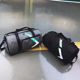 Bolsas de viaje de vacaciones online-Moda Gimnasio grandes de los deportes bolsa de entrenamiento de la aptitud portátil bolso causal de vacaciones asas del viaje del bolso de hombro de múltiples funciones TA-TA565